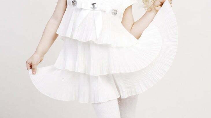 レンタルドレス、どこで借りる?おしゃれで人気のドレスから安いドレスまで!
